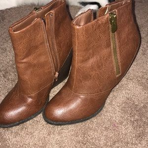 SUPER cute fall booties